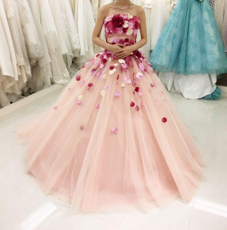 お花の花びらドレス