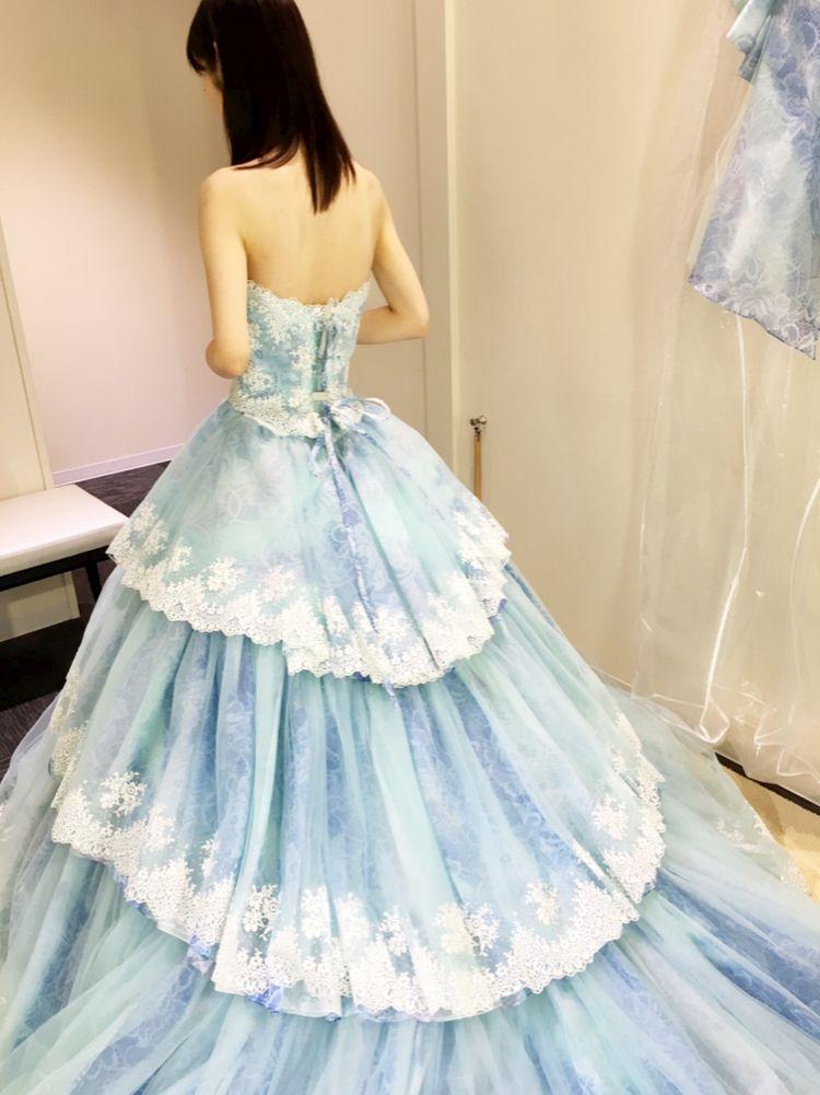 レースのドレス