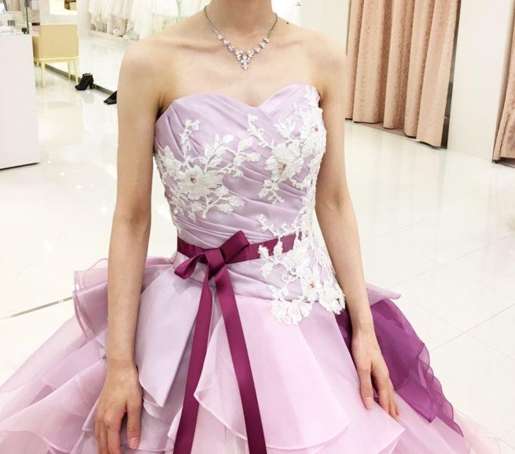 シンプルで綺麗なドレス