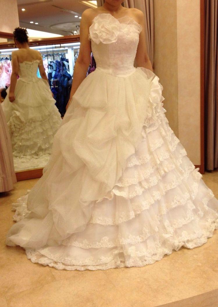 何種類も素敵なドレスがあります