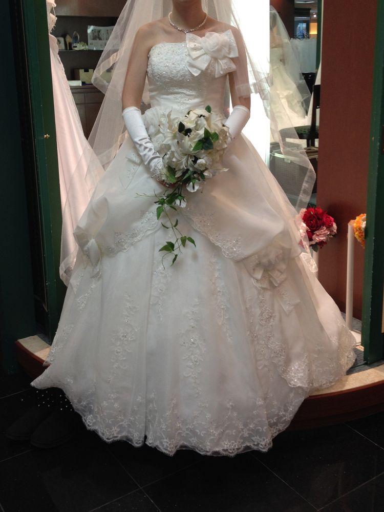 バラとリボンのドレス