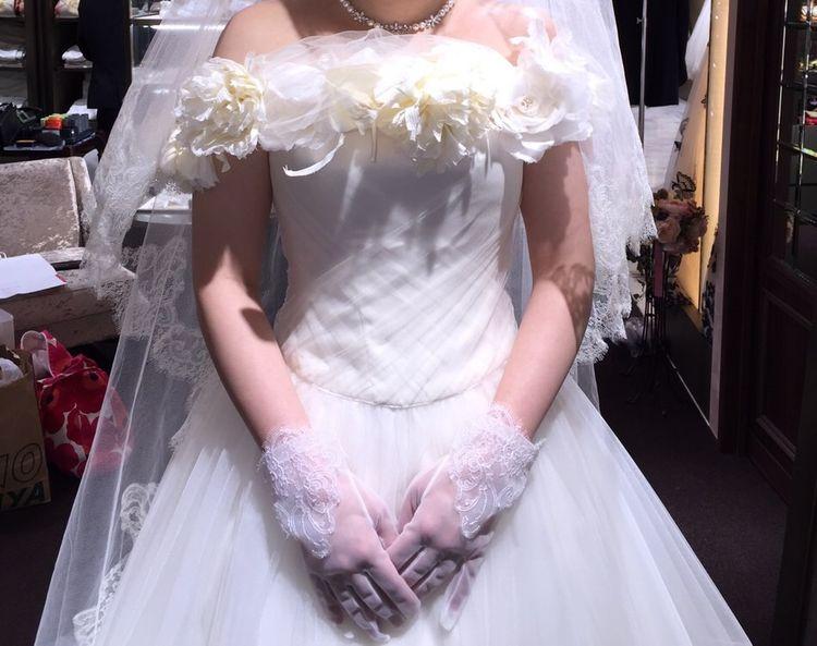 お花がかわいいドレスです。