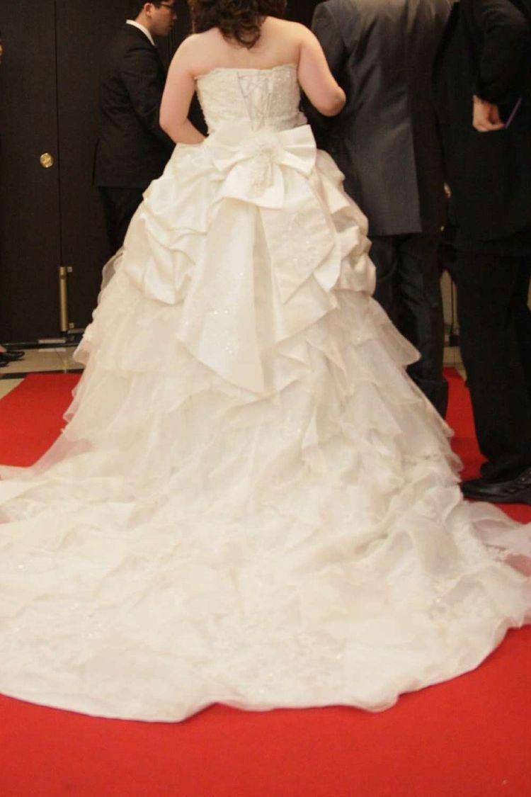 大きなリボンが特徴の可愛すぎるドレス