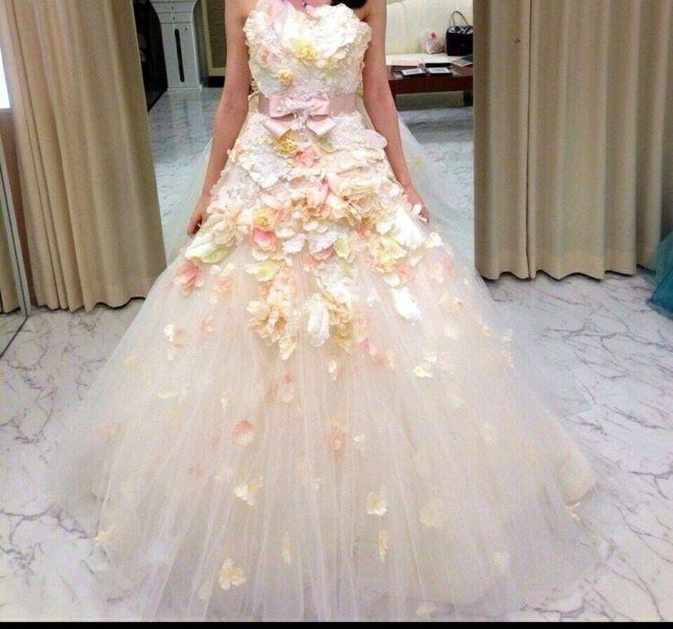 Aラインのお花畑ドレス