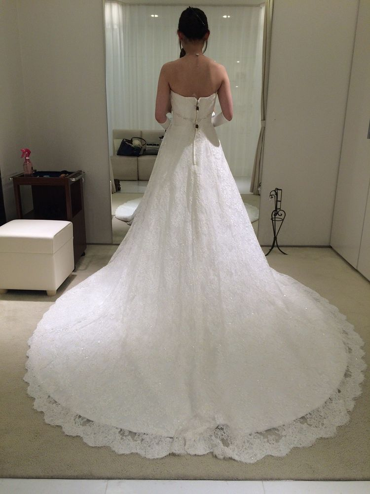 Aラインで大人っぽい♪+。バックスタイルが素敵なドレス