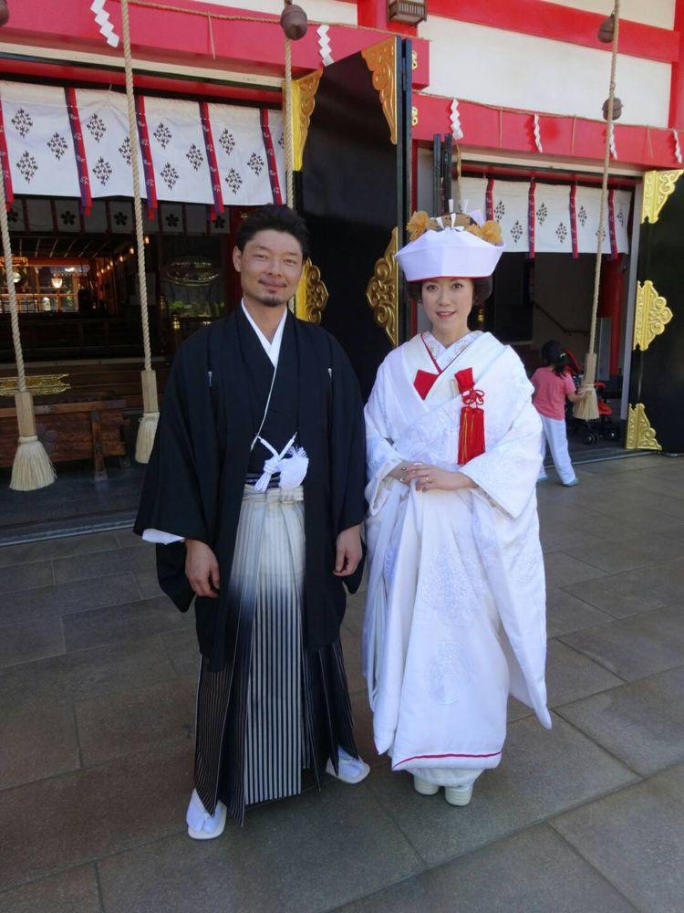 神前式で紋付袴と白無垢姿!