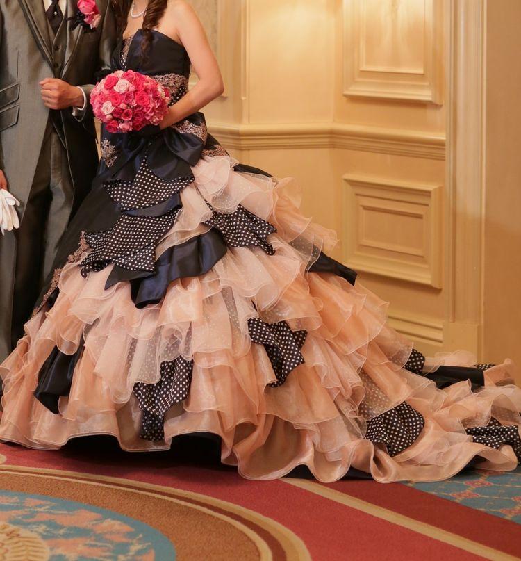 アシンメトリーのドレス