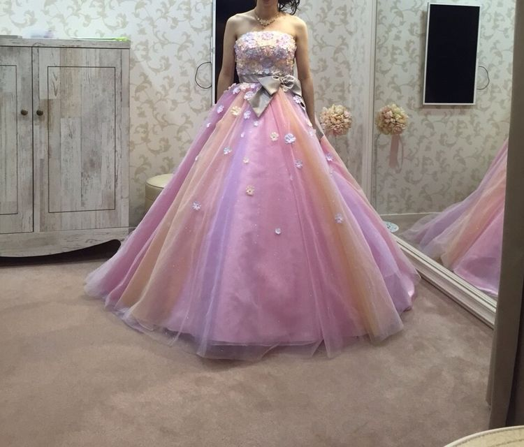 お花がたくさん!ピンクのパステルカラードレス