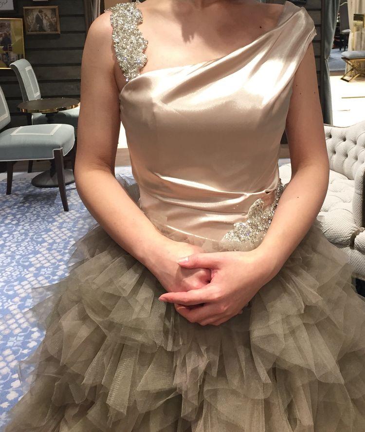 ベージュカラー ふわふわドレス