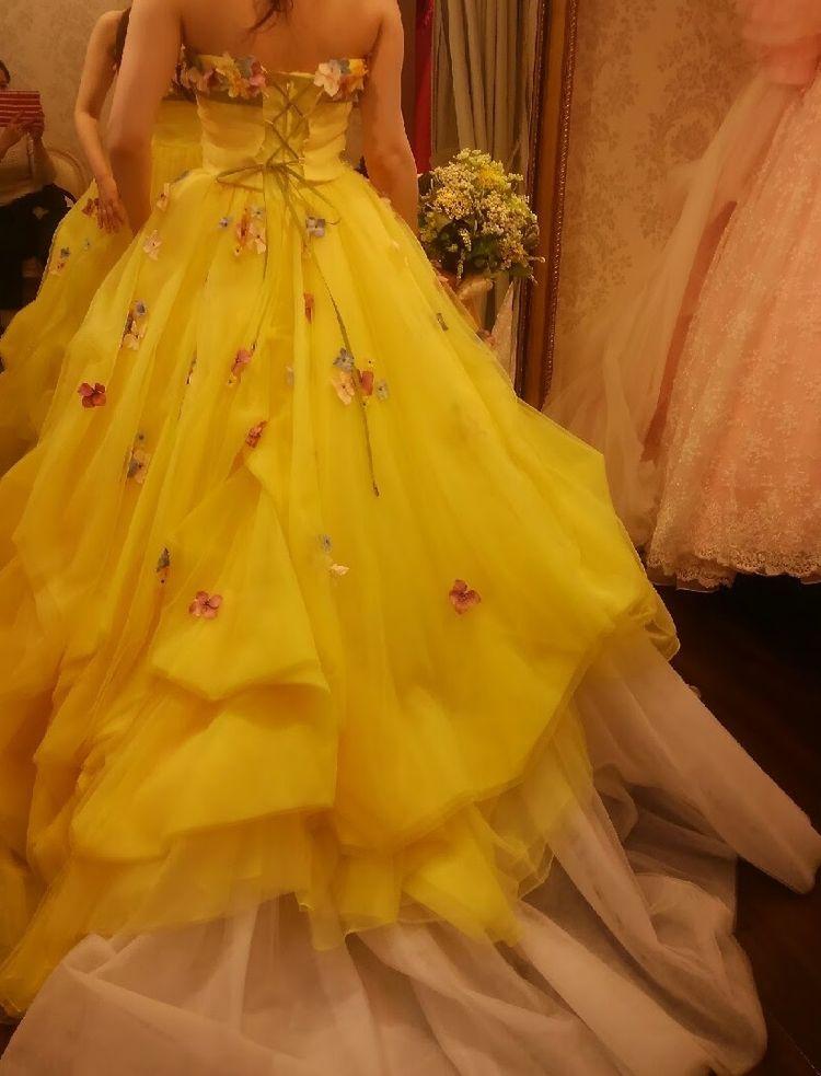 きいろいお花のドレス