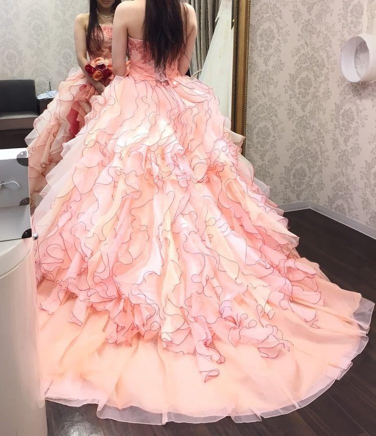 個性派ふりふりドレス