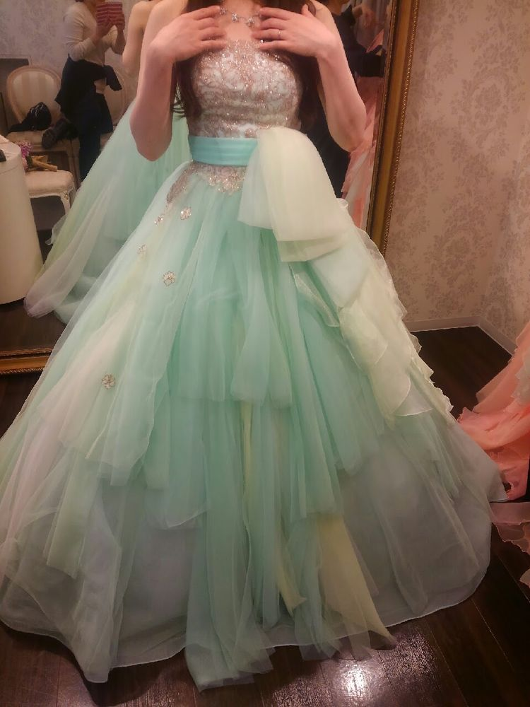 さわやかグリーンドレス