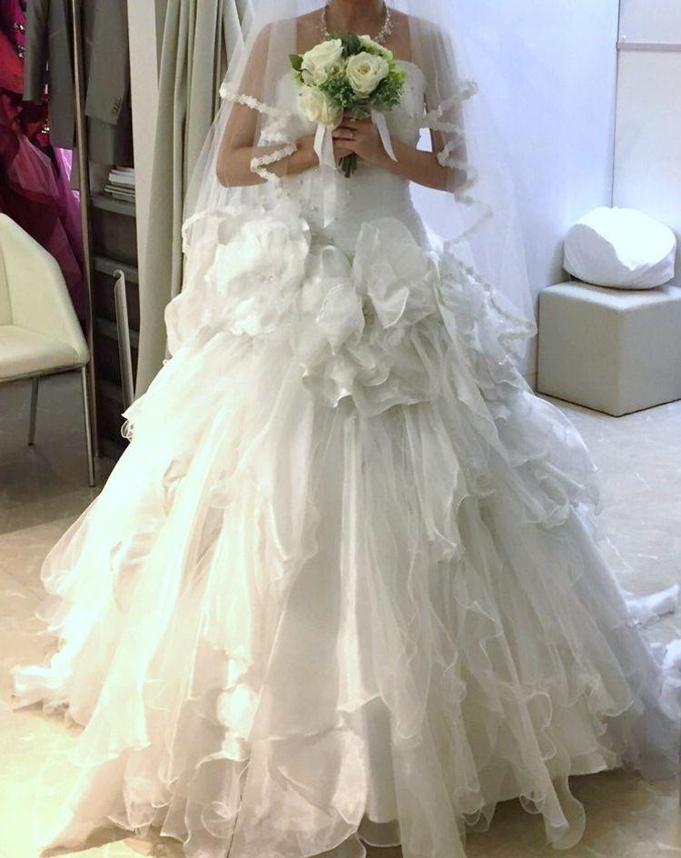 かわいい上品ウェディングドレス