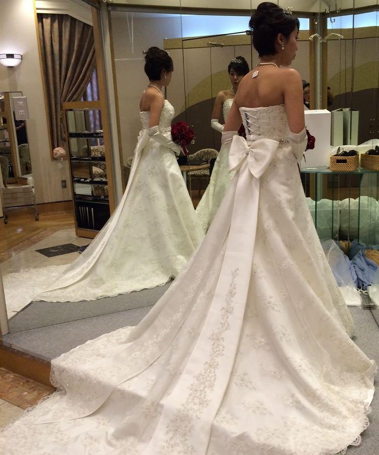 王道のAラインドレス