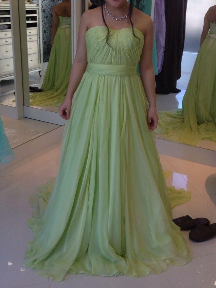 森の女神のようなAラインドレス
