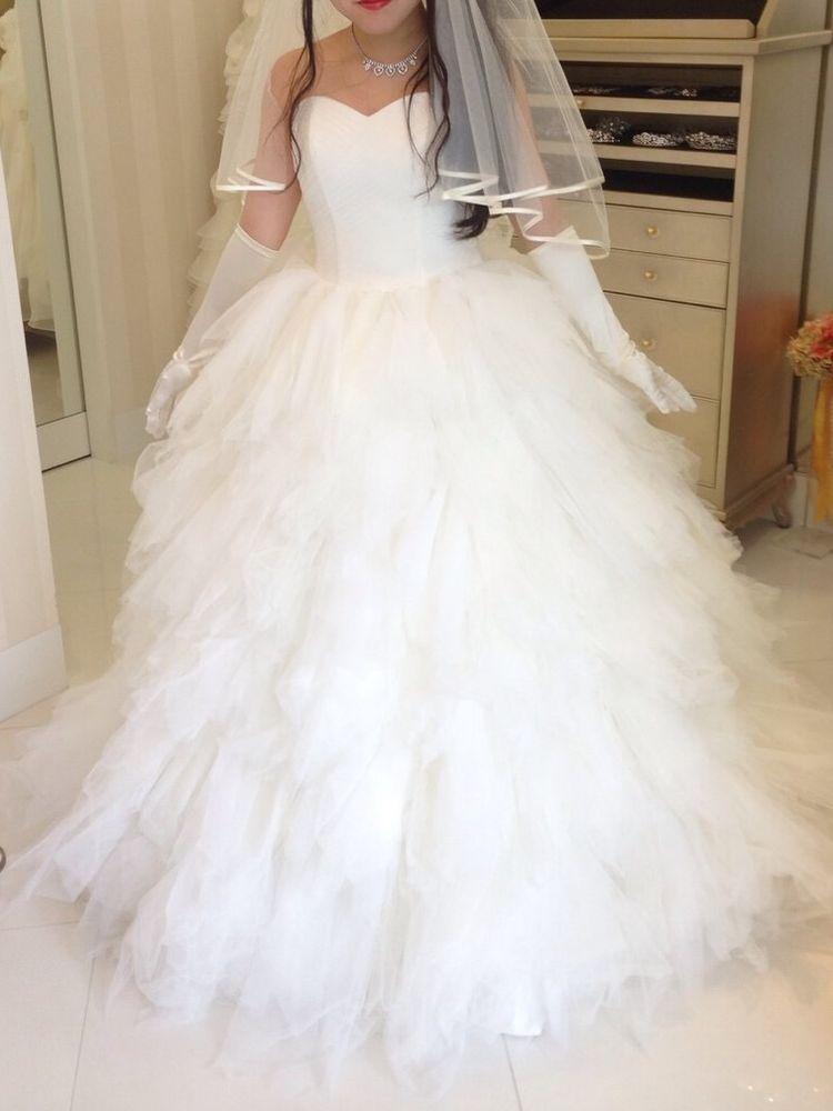 白鳥っぽいプリンセスラインドレス