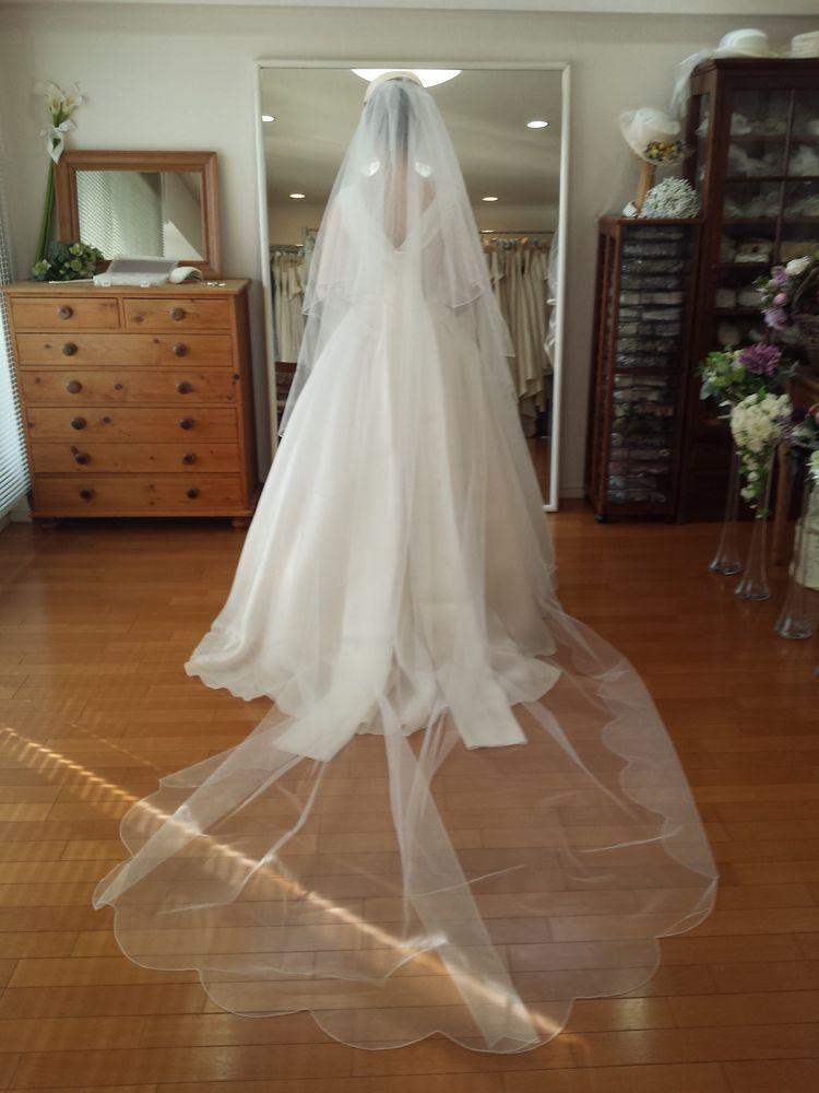 ドラマで波瑠ちゃんが着ていたロールカラードレス