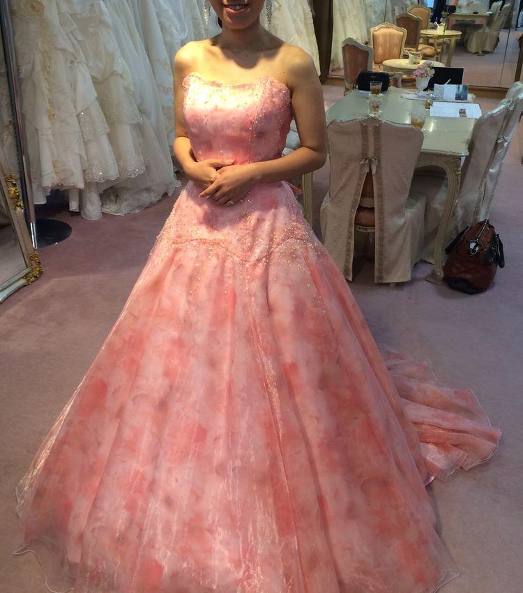 自分では選ばないタイプのドレスでした!