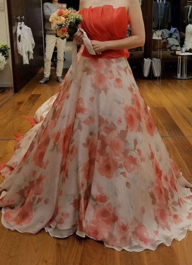 バラ柄ドレス
