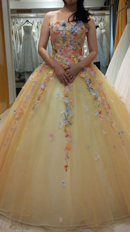 桂由美お花いっぱいドレス
