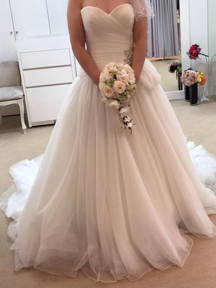 オーガンジーが綺麗なドレス
