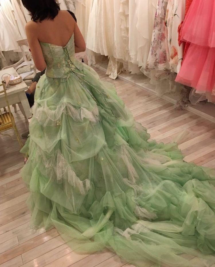 佐々木希プロデュースのカラードレス