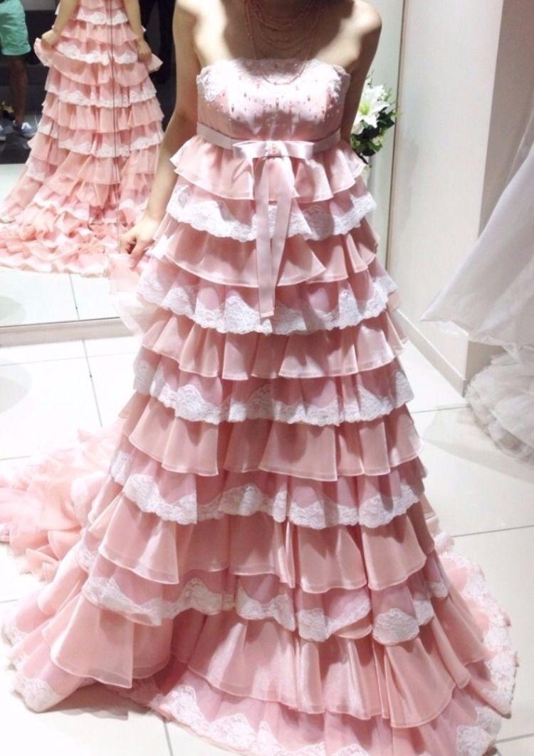 ふんわり優しい印象のピンクドレス