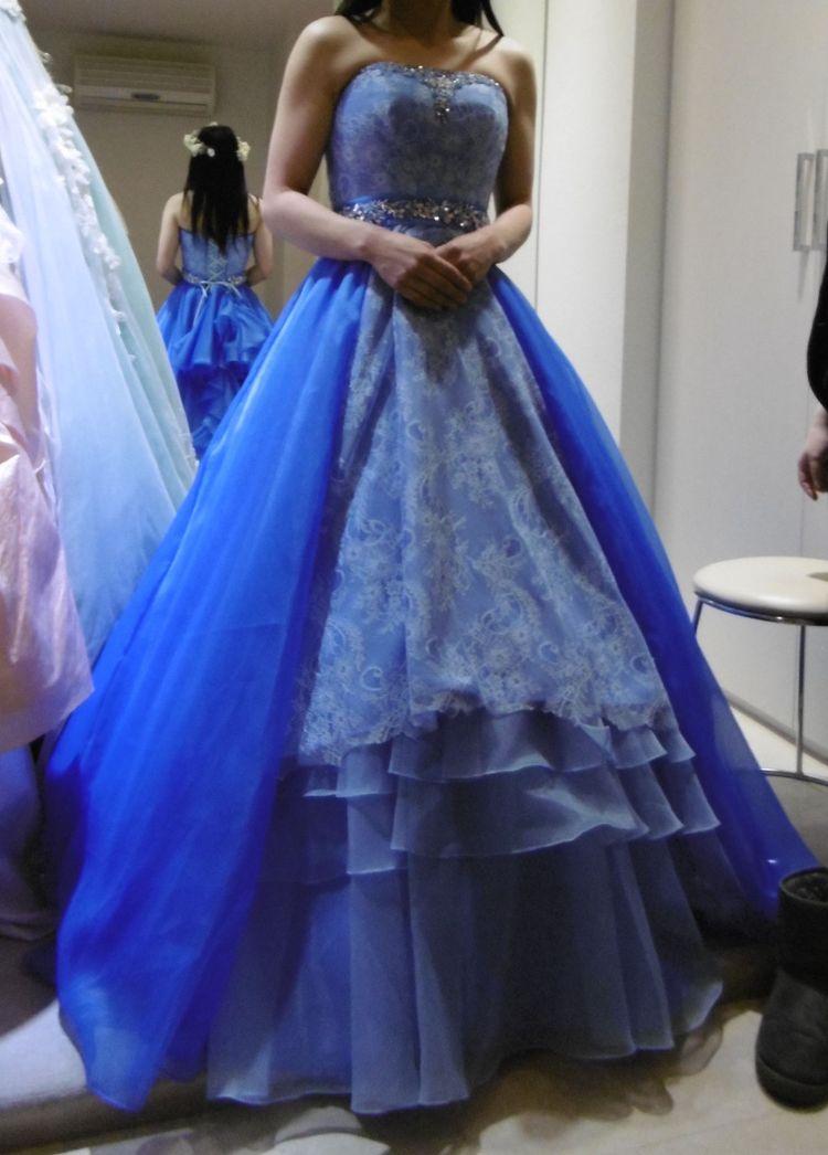 大人な感じの、素敵なドレス!