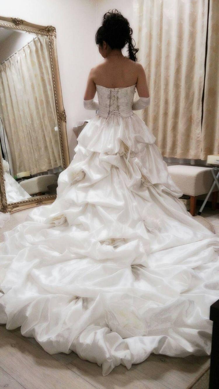 明るく丁寧な衣装合わせとドレスの説明に大満足