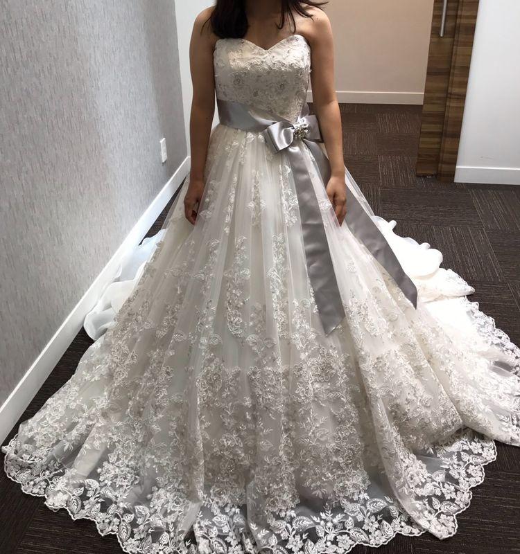 moussyウエディングドレス