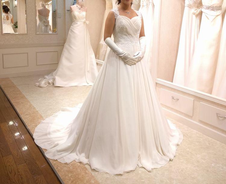 シンプルできれいなドレス