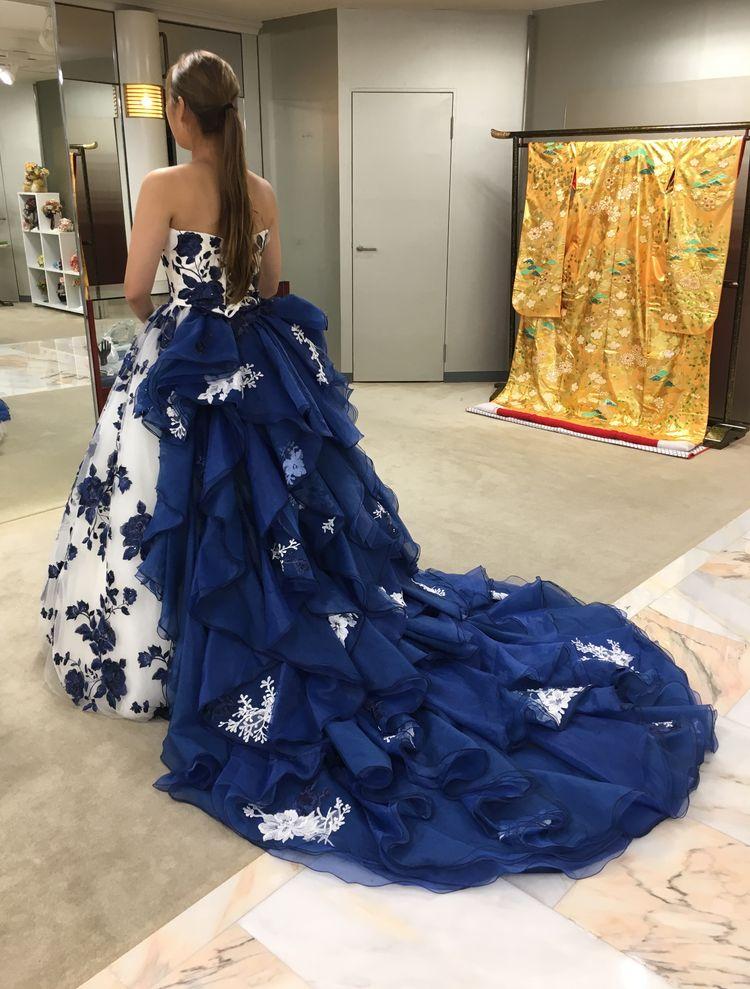 ISAMUMORITAの新作ドレス