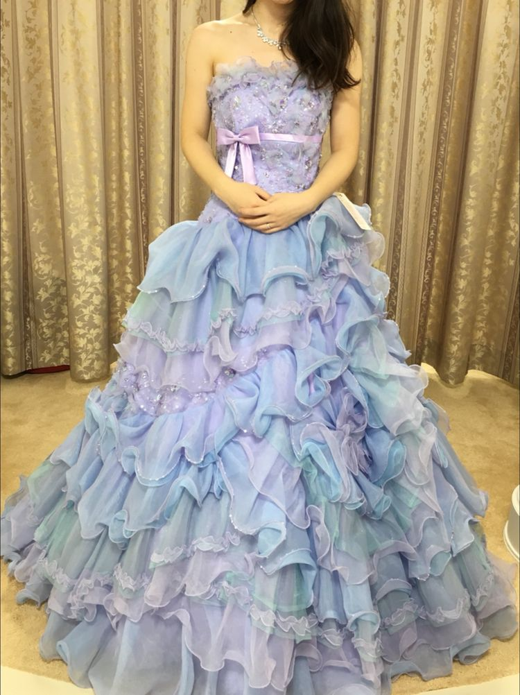少し大人っぽい可愛いドレスに一目惚れ!