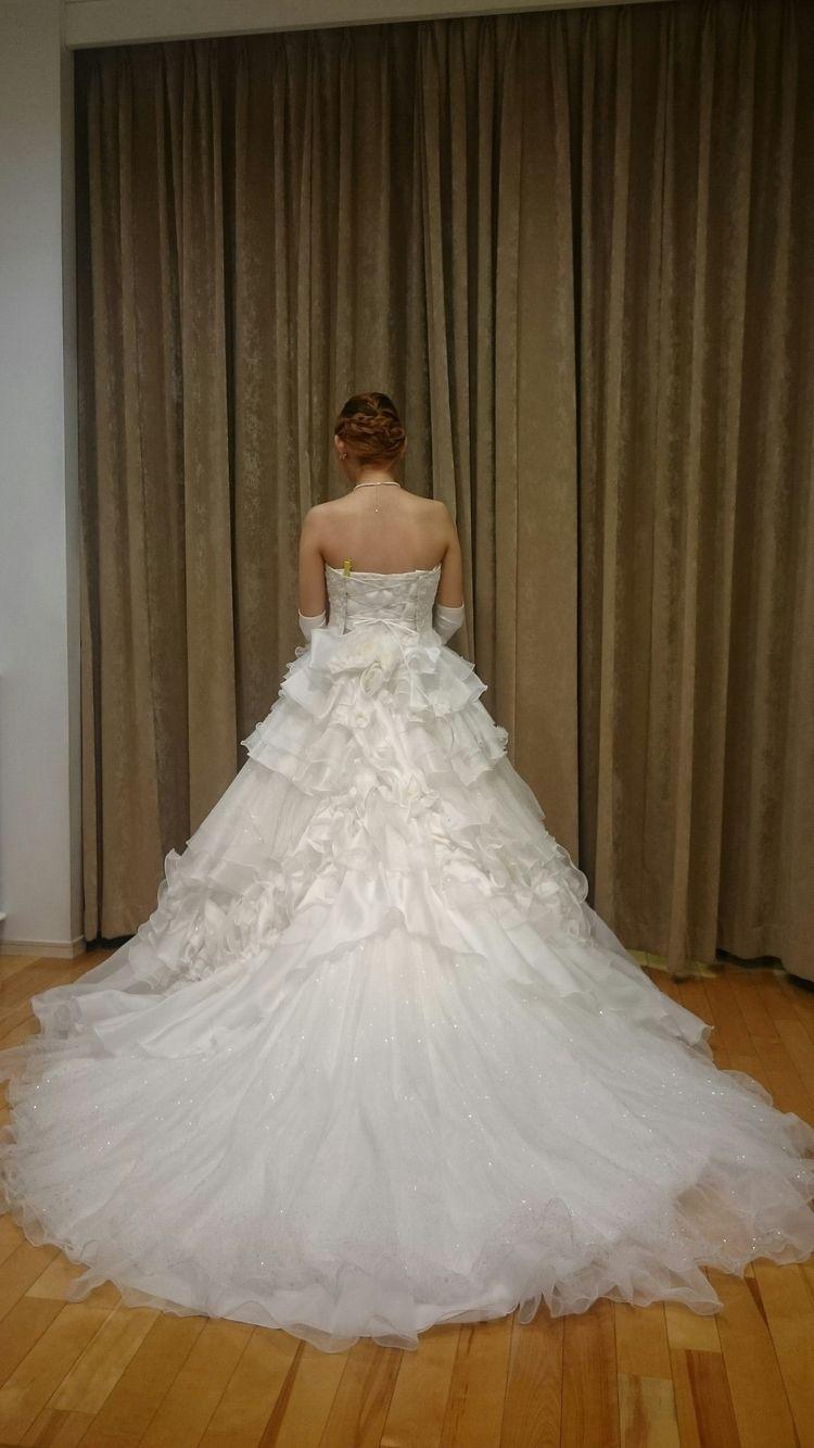 どこから見てもかわいい白ドレス
