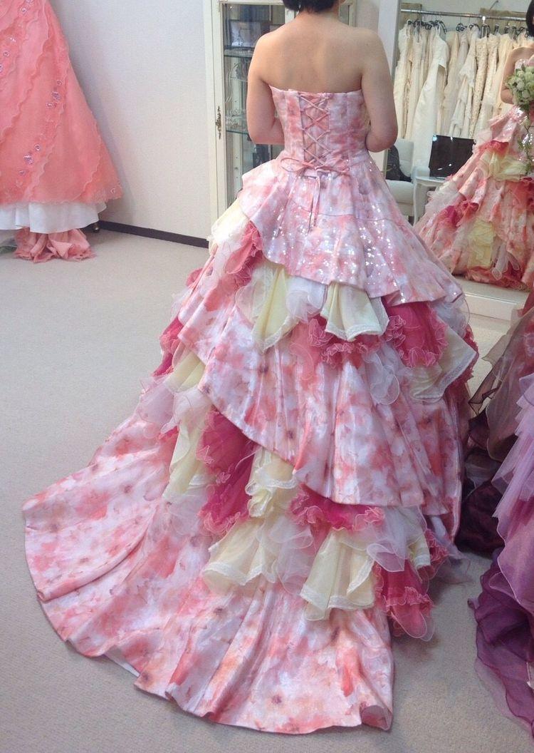 スパンコールのピンクグラデドレス