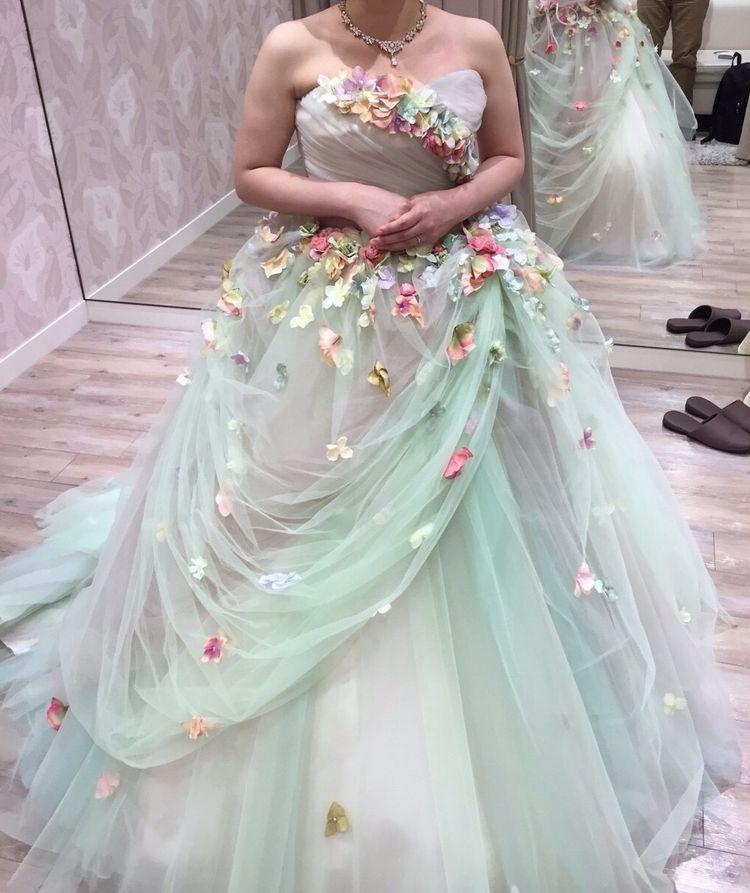 妖精のようなお花のふんわりグリーンドレス