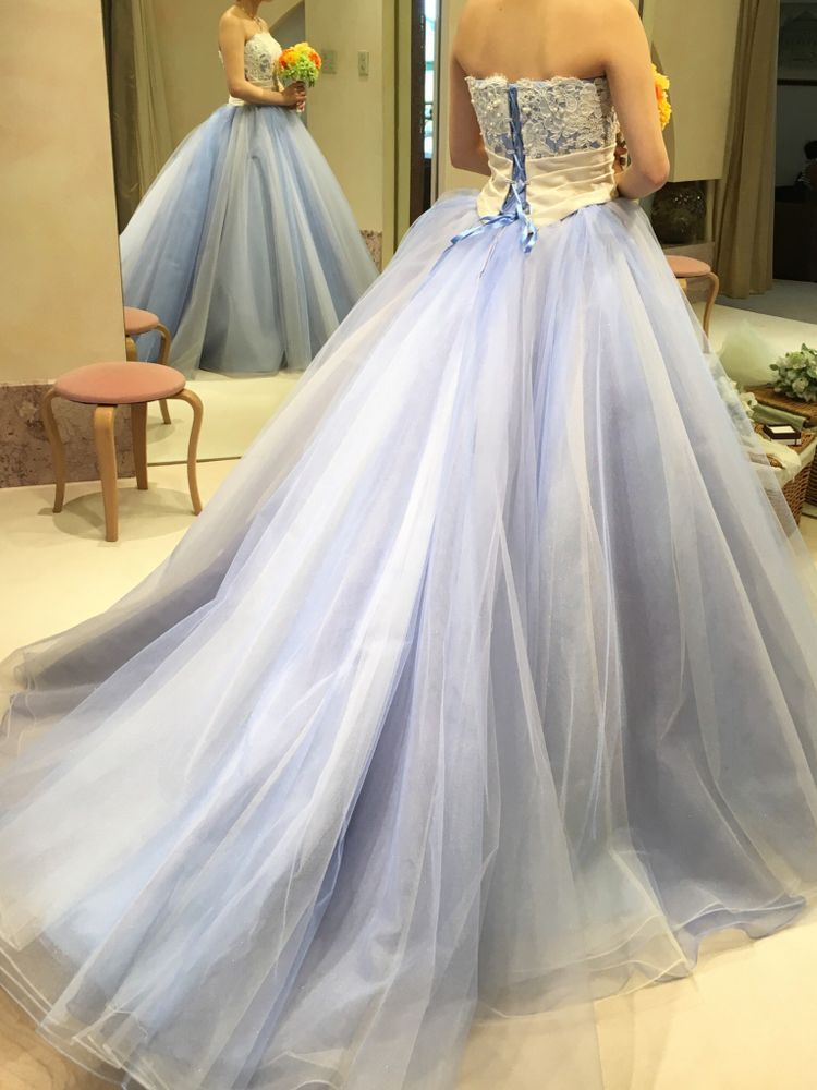 シンデレラみたいなブルー系ドレス