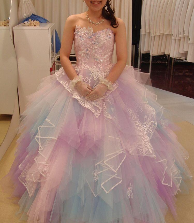 夢可愛いカラーのチーフカットドレス」ファンタジーを思わせる