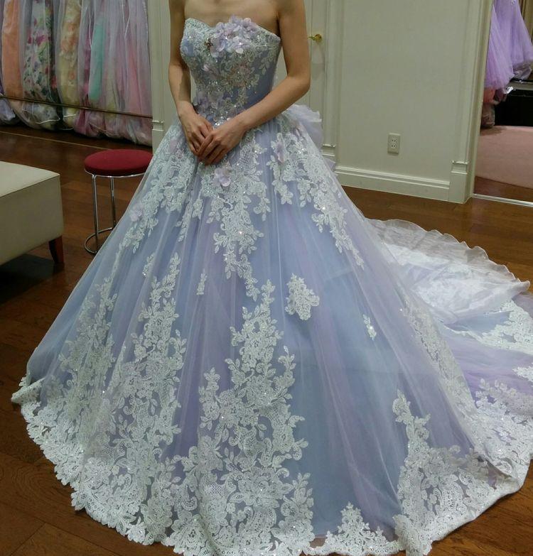 キラキラ華やかなドレス