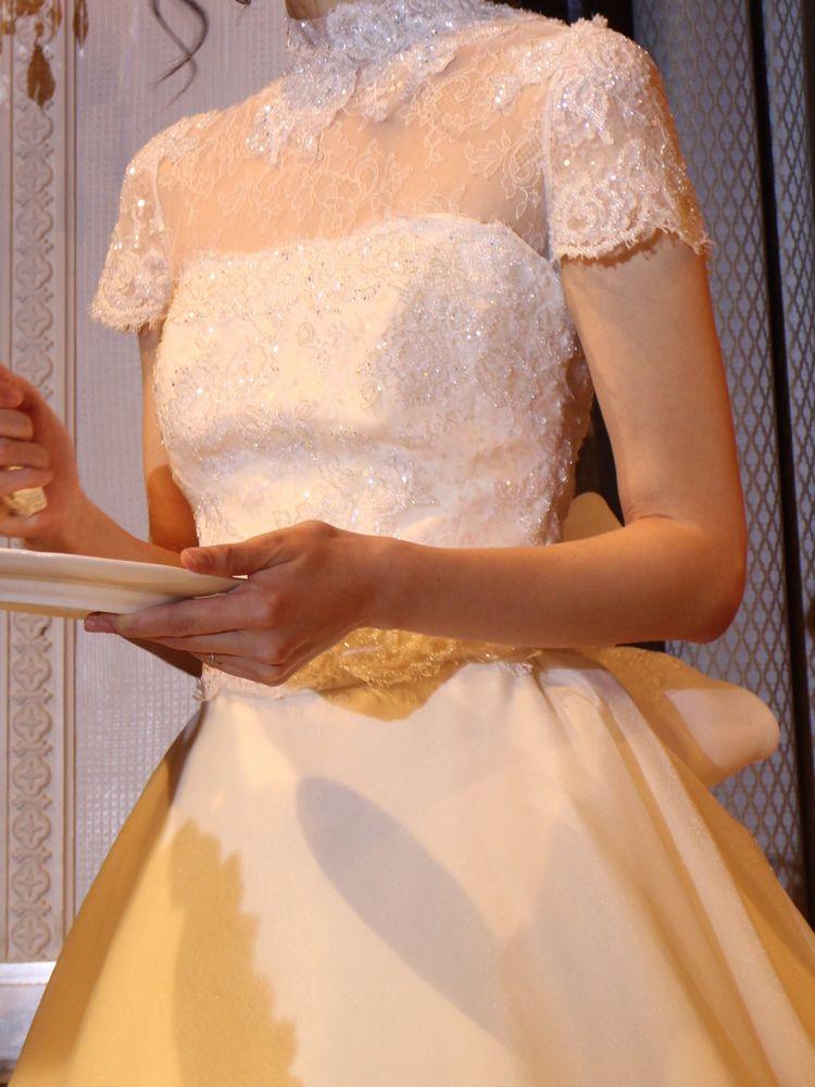 クラシカルで上品なウェディングドレス