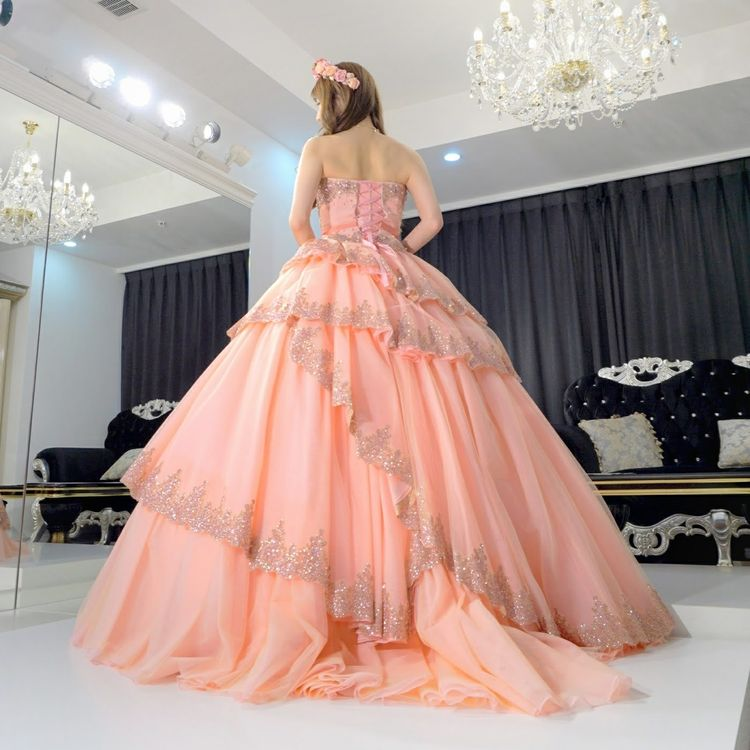 バービーのサーモンピンクドレス