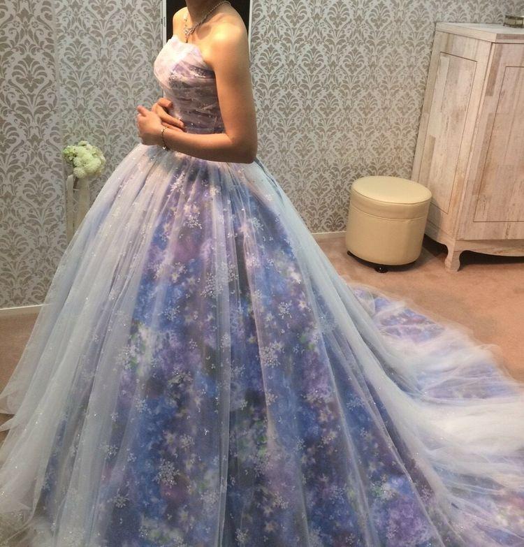ふんわり花柄ドレス