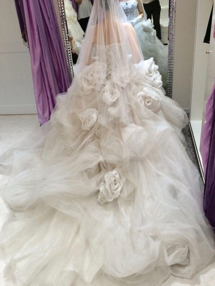 華やかなウエディングドレス