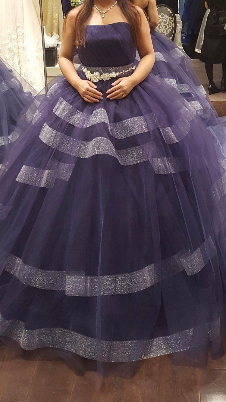 ふわふわボリュームの大人っぽいドレス
