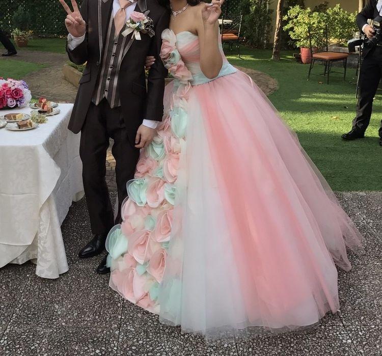 ピンクのお花デザインドレス