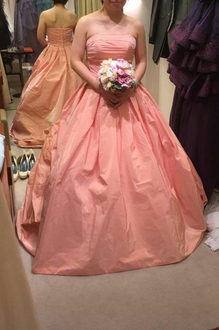 シンプルながら可愛らしいドレス