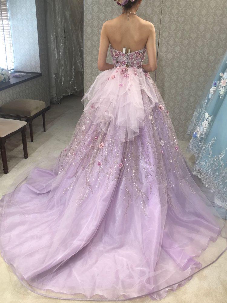 式場で着るとより綺麗になると思います。