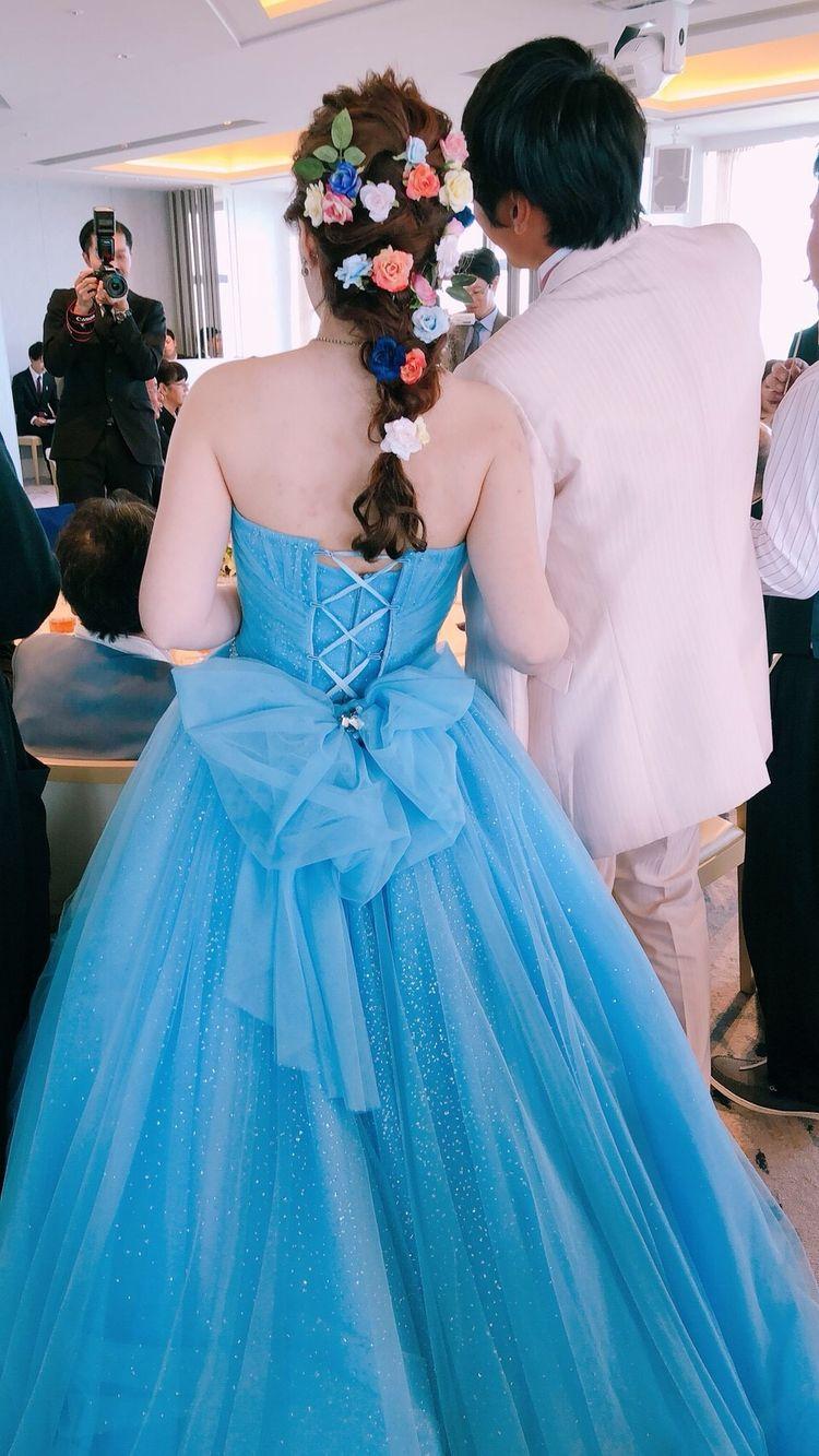 イメージにぴったりのカラードレス