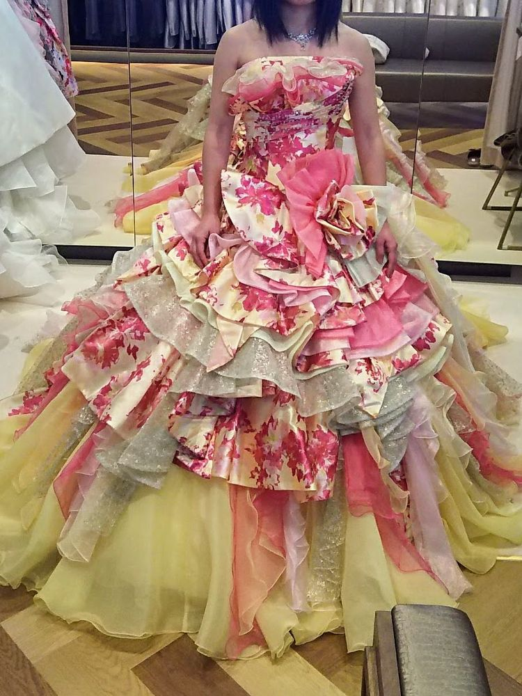 3色が合わさった春カラードレス