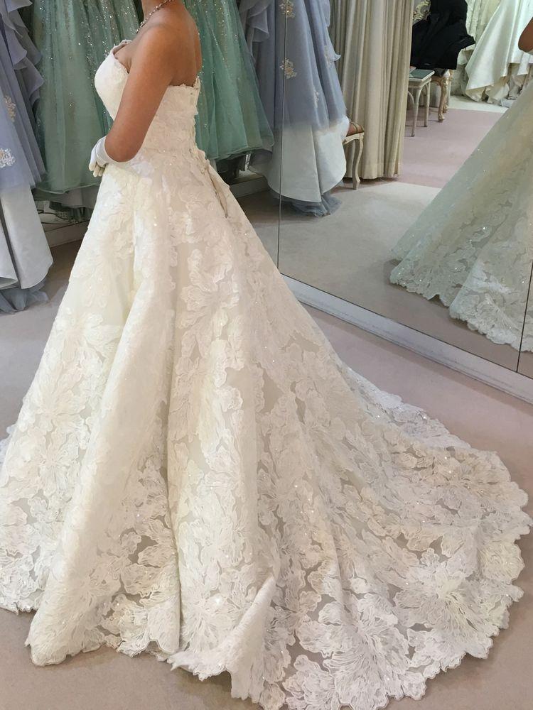 総刺繍のゴージャスドレス